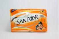 """Мыло Антибактериальное, очищающее, натуральное  для сухой кожи и против запаха пота """"Santoor"""" с маслом Sandal и Turmeric, 125 грамм."""
